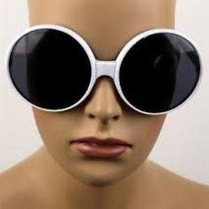 Kiss Accessories - SUPER OVERSIZE SUNGLASSES WHITE NEW